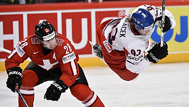 Schweiz setzt auch gegen Tschechien Erfolgslauf fort (Bild: EPA)