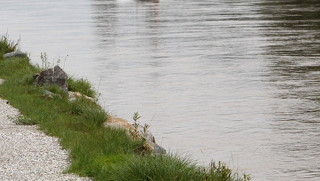 Stmk: Mutige Passantin rettet Mann (74) aus Fluss (Bild: Christian Jauschowetz (Symbolbild))