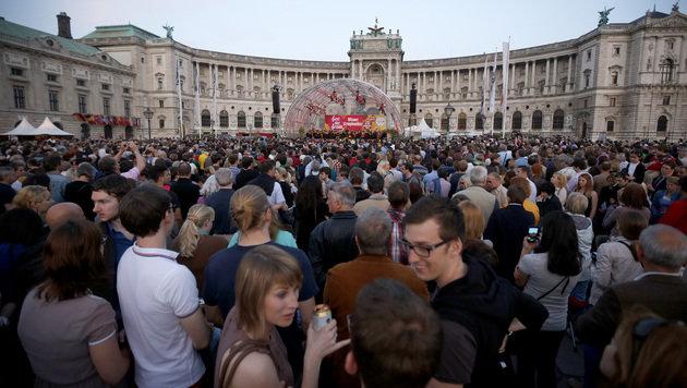 Faymann: 8. Mai ist Tag der Befreiung, nicht der Niederlage (Bild: APA/GEORG HOCHMUTH)