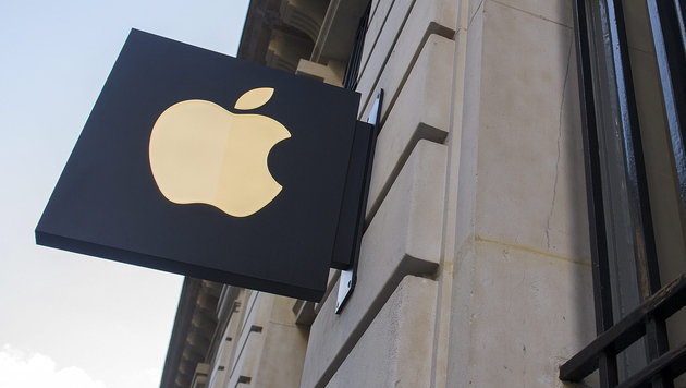 iPhone könnte Zahlen per Handy salonfähig machen (Bild: EPA)
