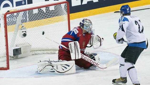 Finnland kämpft die Russen im Schlager mit 3:2 nieder (Bild: EPA)