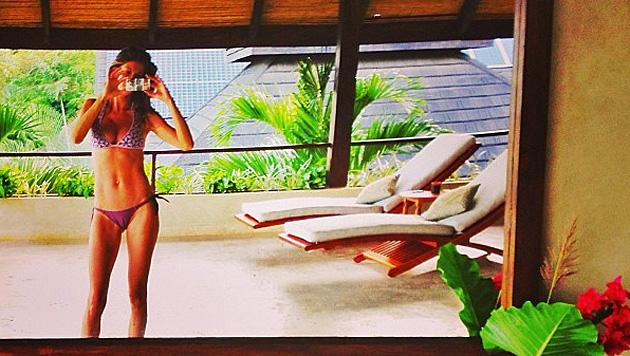 Sogar Aniston ist neidisch auf Giseles sexy Kurven (Bild: Instagram)
