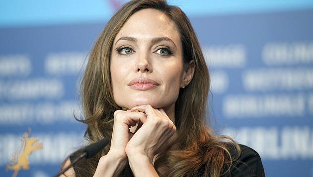 Angelina Jolie hat sich beide Brüste amputieren lassen (Bild: EPA) ... - Angelina_Jolie_hat_sich_beide_Brueste_amputieren_lassen-Aus_Angst_vor_Krebs-Story-361552_630x356px_3_tUOGp1sA_MAL2