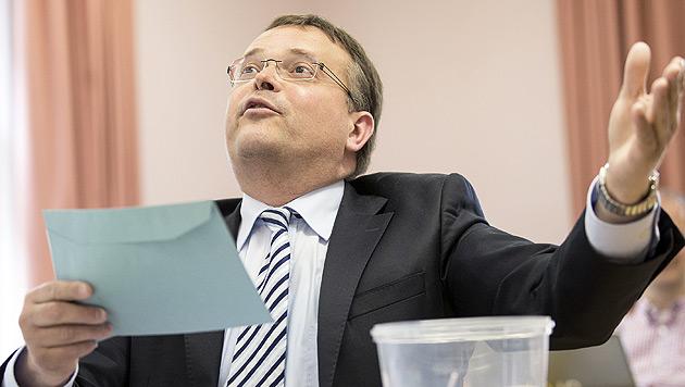 Tirol: FPÖ-Chef Gerald Hauser gibt Parteivorsitz ab (Bild: APA/EXPA/JOHANN GRODER)