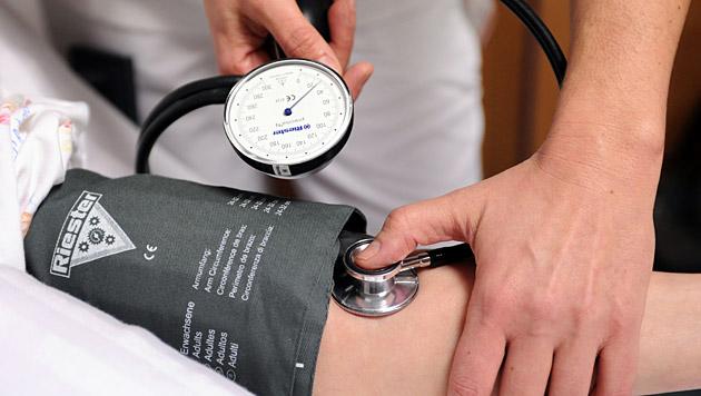 Über 1,1 Mrd. Menschen haben zu hohen Blutdruck (Bild: APA/Barbara Gindl)