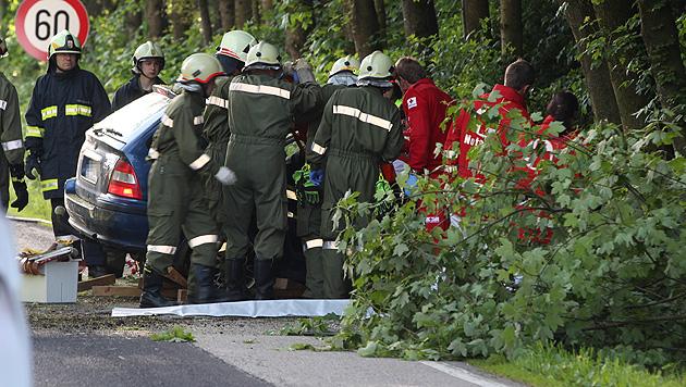 Feuerwehrmann entdeckt bei Unfall-Einsatz toten Sohn (Bild: Matthias Lauber)