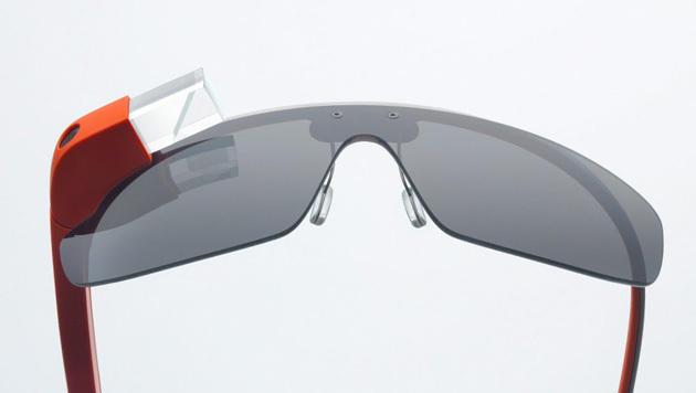 Facebook, Twitter und CNN kündigen Glass-Apps an (Bild: Google)