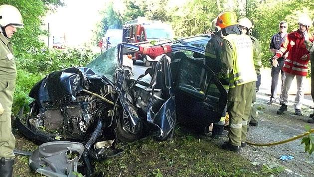 Feuerwehrmann entdeckt bei Unfall-Einsatz toten Sohn (Bild: APA/FF MEGGENHOFEN)