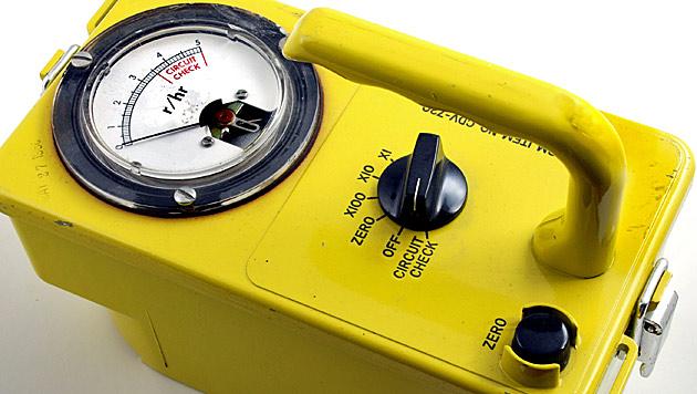 Mit einem Geigerzähler, wie diesem, wird radioaktive Strahlung gemessen. (Bild: thinkstockphotos.de)