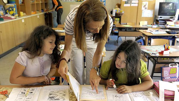 Chaos bei neuem Lehrerdienstrecht immer größer (Bild: APA/HARALD SCHNEIDER)