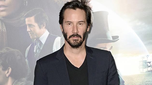 Reeves als Zausel mit Doppelkinn in Cannes (Bild: EPA)
