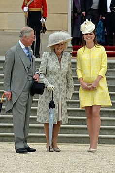 Kates Babybauch lässt sich nicht mehr verstecken (Bild: AP)