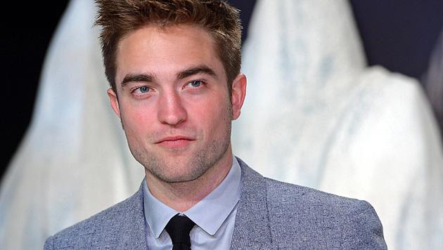 Pattinson bricht den Kontakt zu Stewart völlig ab (Bild: EPA)