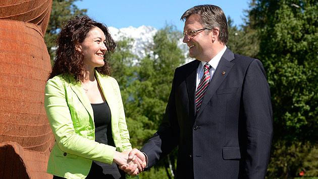 Erste schwarz-grüne Regierung in Tirol gewählt (Bild: EPA)