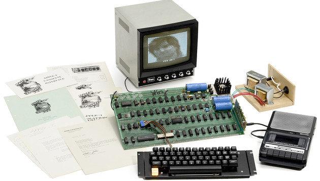 """""""Apple 1"""" für über eine halbe Million Euro versteigert (Bild: breker.com)"""