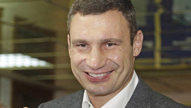 Die Krimtatarin, die Putin die Stirn bietet (Bild: AP)