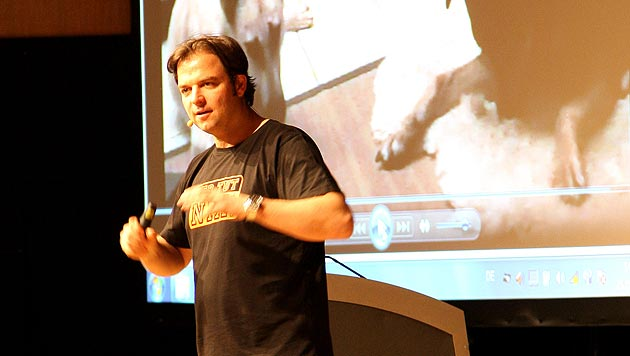 """Hundeprofi"" Martin Rütter hielt Seminar in Wien (Bild: Hoanzl)"