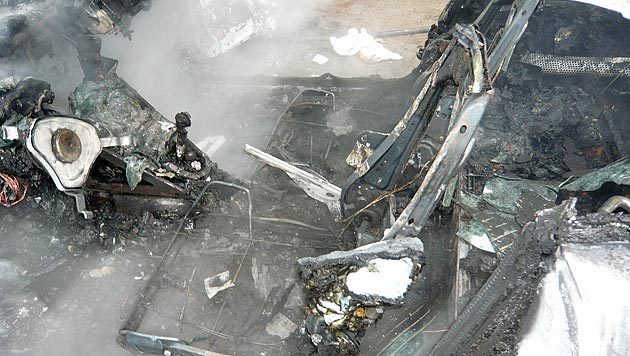 Müllmänner retten Salzburger aus brennendem Auto (Bild: FF Zell am See)