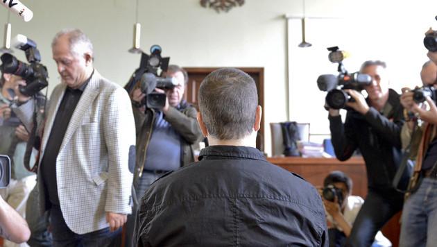 Fall Heidrun Wastl: Angeklagter schiebt Schuld auf Ehemann (Bild: APA/HERBERT NEUBAUER)