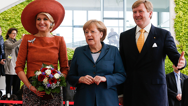 Jubel für Königspaar Willem und Maxima in Deutschland (Bild: AP, EPA)