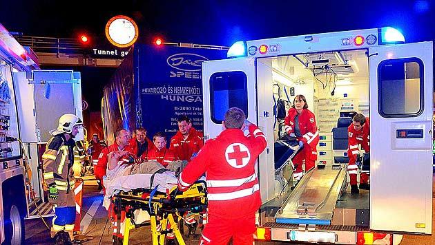 NÖ: Lkw-Fahrer bei Auffahrunfall auf S1 schwer verletzt (Bild: Pressestelle BFK-Mödling)