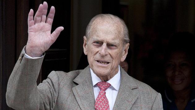 Prinz Philip für OP ins Krankenhaus eingeliefert (Bild: EPA)