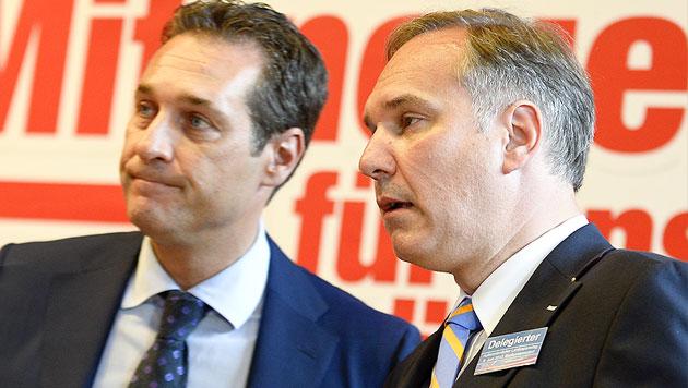 FP-NÖ: Walter Rosenkranz mit 65 Prozent gewählt (Bild: APA/HERBERT NEUBAUER)