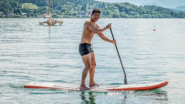 Hollywoodstar Rick Yune relaxt am Wörthersee (Bild: APA/CATHARINA RIEDER)