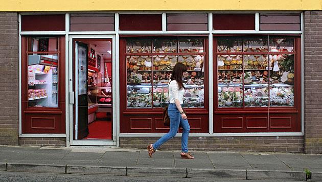 Nordirland putzt sich für G8-Gipfel mit Fake-Shops auf (Bild: AFP)