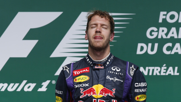 Offiziell: Red Bull verlängert mit Vettel bis 2015 (Bild: AP)