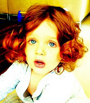 Stylistin Rachel Zoe richtet Sohn wie ein Mädchen her (Bild: Instagram)