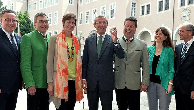Landesregierung in Salzburg steht, Ressorts verteilt (Bild: APA/Barbara Gindl)