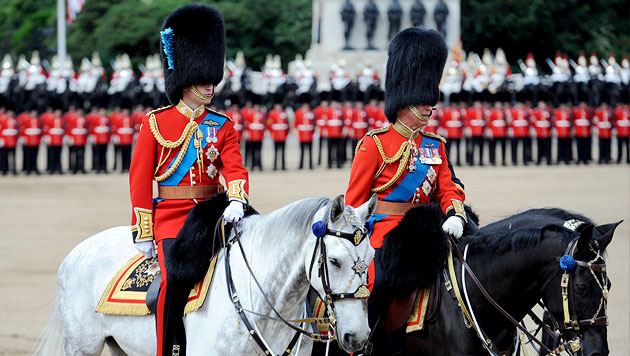 Geburtstagsfeier der Queen mit Kate, aber ohne Philip (Bild: EPA)