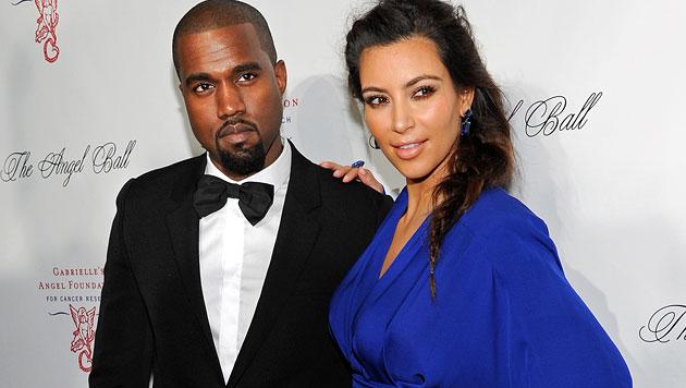 Kim Kardashian und Kanye West kauften goldene Toiletten (Bild: AP)