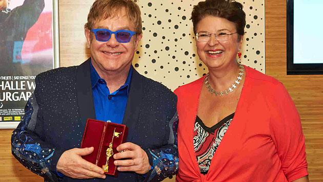 Elton John wurde mit Rathausmann geehrt (Bild: Alexander Tuma)