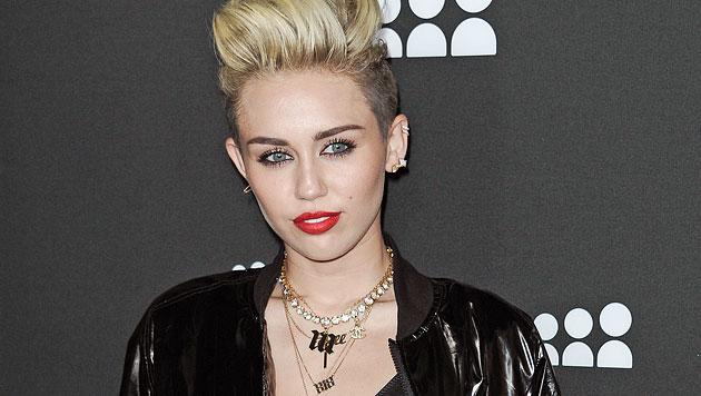 Miley Cyrus hätte gerne ein Tattoo im Gesicht (Bild: AP)