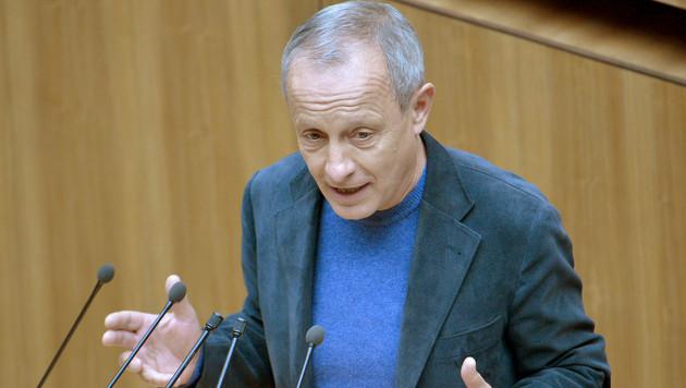 Nun sorgt Pilz mit Türken-Sager für Empörung (Bild: APA/ROLAND SCHLAGER)