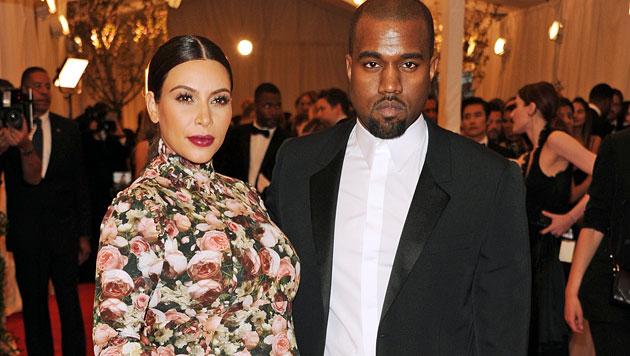 Kim Kardashian-West und Ehemann Kanye West wünschen sich ein weiteres Kind. (Bild: AP)