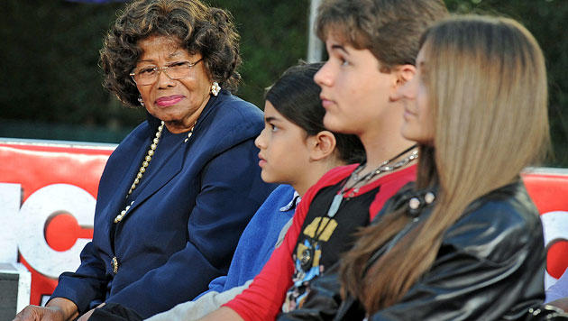 Paris Jackson: Strenge Oma schuld am Suizidversuch? (Bild: EPA)