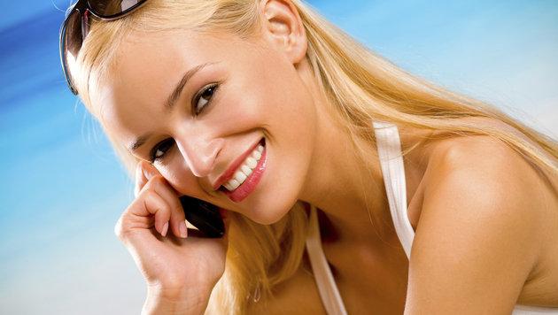 Handy-Telefonieren im Ausland ab sofort günstiger (Bild: thinkstockphotos.de)