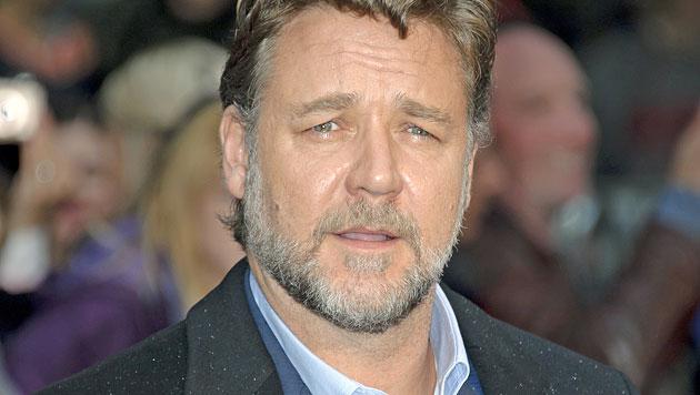 Russell Crowe entschuldigt sich für Twitter-Patzer (Bild: AP)