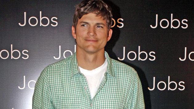 Millionenschwerer Ashton Kutcher gibt kein Trinkgeld (Bild: AP)