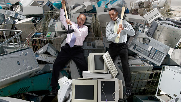 Behörde zerstört Hardware, um Virus zu stoppen (Bild: thinkstock.de, krone.at-Grafik)