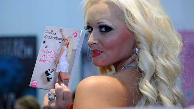 """Daniela Katzenberger veröffentlichte die Autobiografie """"Sei schlau, stell dich dumm"""". (Bild: EPA)"""