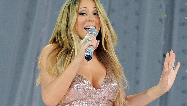 Mariah Carey mit ausgerenkter Schulter im Spital (Bild: AP)