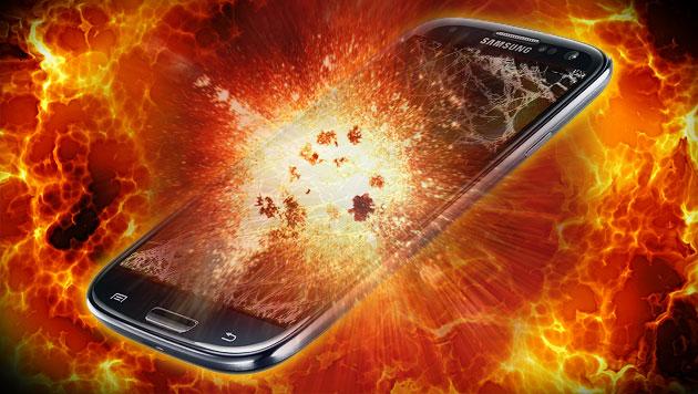 Smartphone beim Spielen explodiert - Wohnungsbrand (Bild: thinkstockphotos.de, Google, krone.at-Grafik)