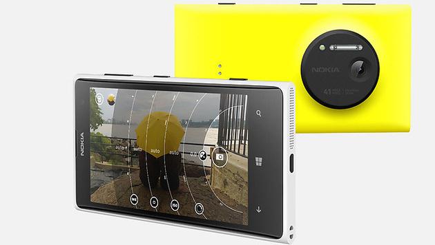 Nokia enthüllt sein Superkamera-Smartphone 1020 (Bild: Nokia)