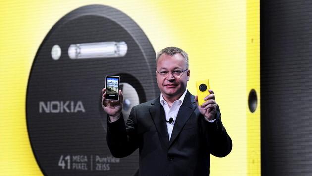 Nokia enthüllt sein Superkamera-Smartphone 1020 (Bild: EPA)