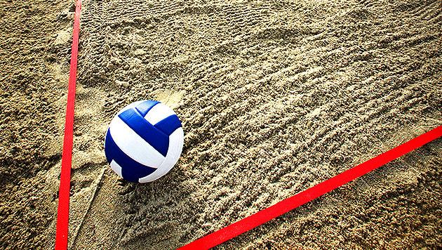 Die allerwichtigsten Regeln und Daten im Beachvolleyball (Bild: thinkstockphotos.de)