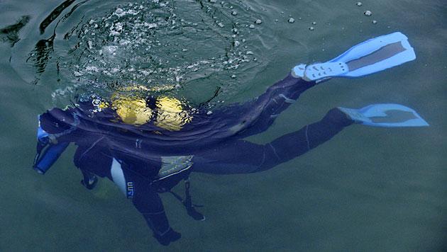 OÖ: Taucher rettet sich nach Notaufstieg ans Ufer (Bild: APA/dpa/Patrick Seeger (Symbolbild))